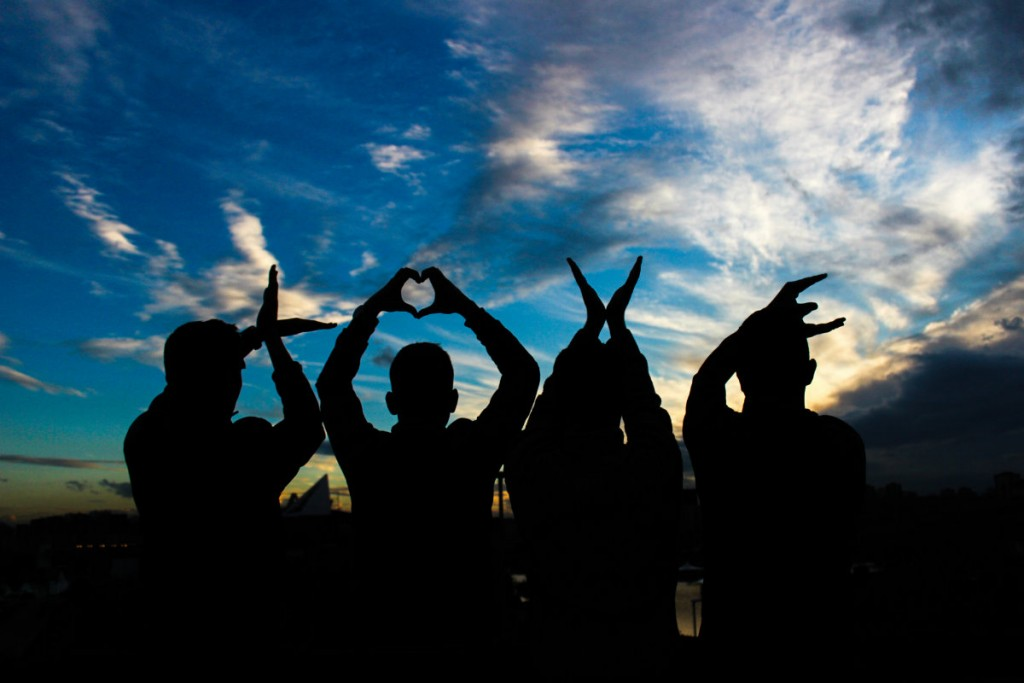 Moadiario Apuesta People love pexels-photo-13918 1200x800