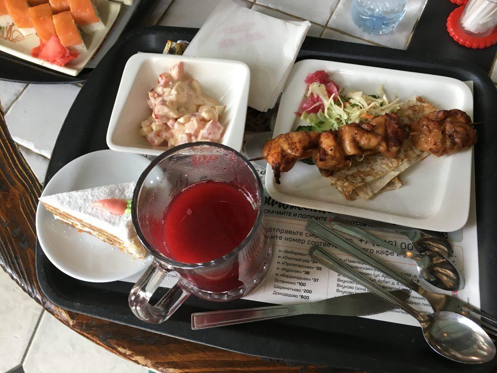 Moadiario comida buffet Moscú