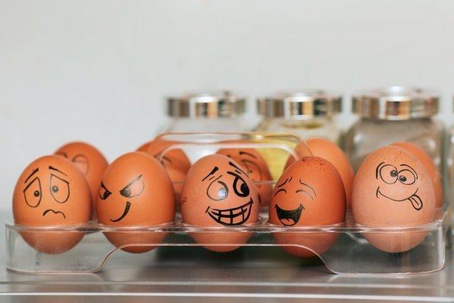 huevos con caricatura no hay huevos