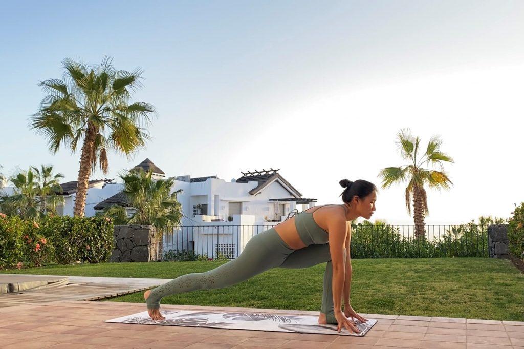 Xuan Lan Haciendo yoga